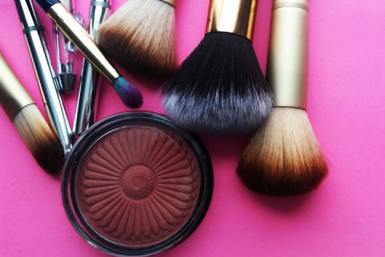 Beginner's guide to makeup tools: Brushes and sponges, Lifestyle ...