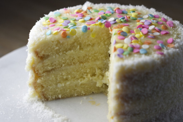 Amazing Birthday Cake Laced With Marijuana Gets Family Members Personalised Birthday Cards Veneteletsinfo
