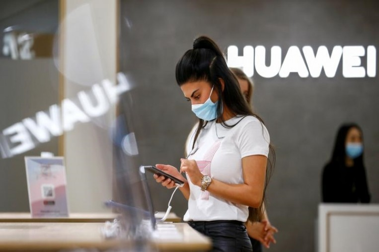 In early September,Huawei Technologies, the world's biggest smartphone maker, announced that it waspreparing to switchfrom Google�