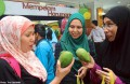 Long queues for $15-a-kilo mangoes in Malaysia