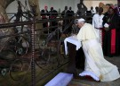 Pope Francis visits Ugandan shrine amid gay rights debate