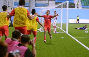 LionsXII have tails up