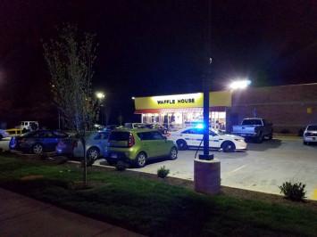 Police hunt gunman who killed 4 at Nashville waffle house