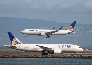 United Airlines cuts overbooking, increases compensation after passenger fiasco