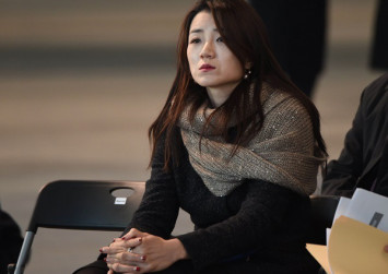 Korean Air labour unions call for sister of 'nut rage' heiress to step down