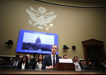 Zuckerberg defends Facebook business model