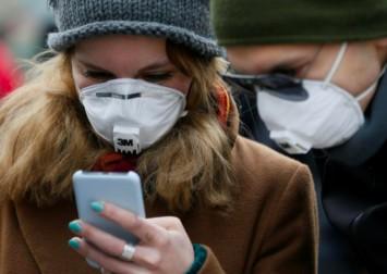 Coronavirus: Rift opens over European contact tracing apps