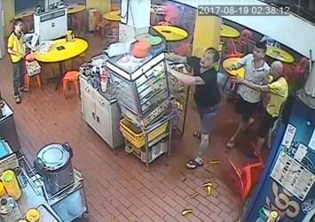 Balestier bak kut teh shop's 'customer from hell' throws chopsticks, topples bun steamer and flips table