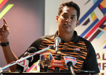 Khairy: Do not pit me against the Johor Royal family