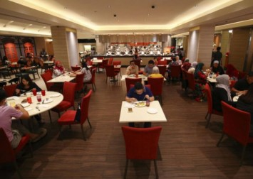 Restaurants in Singapore urge customers not to 'game' social distancing measures