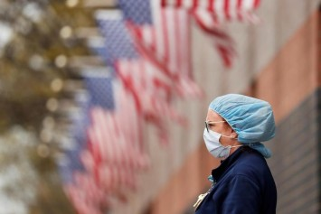 US sets record as coronavirus cases top 5 million