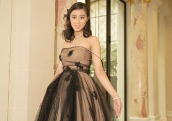 Casino tycoon Stanley Ho's daughter makes stunning debut in Paris