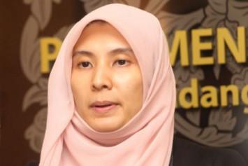 Anwar's daughter Nurul Izzah quits as PKR vice president