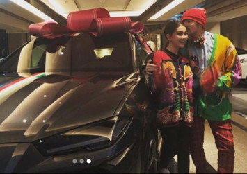 Jay Chou gets Lamborghini from wife as Christmas present