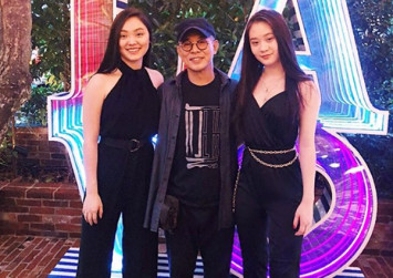 Jet Li gives fans a rare glimpse of his grown-up daughters