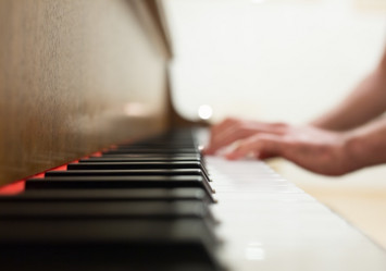 How to help your child not give up on music lessons