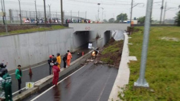Driver dies after landslide buries car near Jakarta airport