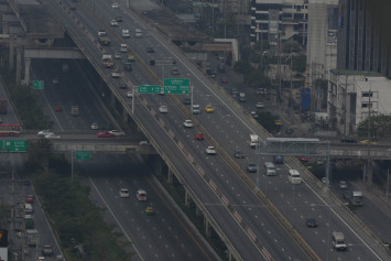 Air quality in Bangkok improves, but still deemed unsafe