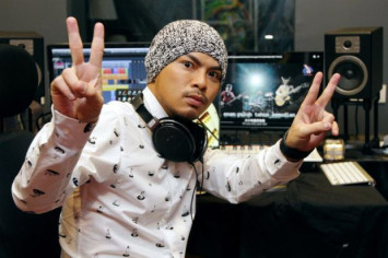 Malaysian police begin probe against Namewee over CNY video clip