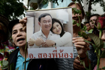 Ex-Thai PMs Thaksin and Yingluck Shinawatra sighted in Singapore