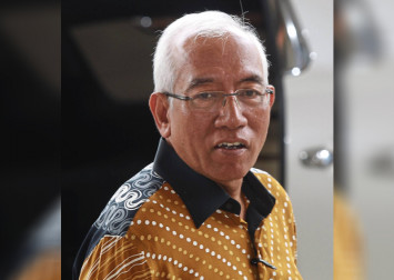 I'm not stupid, says former Malaysian education minister