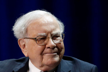 3 Warren Buffett quotes to help you survive a market crash