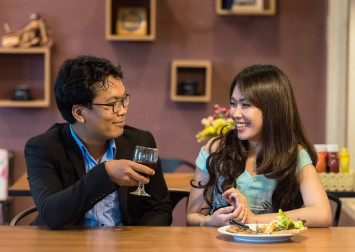 8 Singaporean women reveal the wackiest ways they have used to get out of a bad date