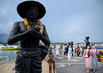 10,000 Chinese tourists cancel trips to Bali over coronavirus fears: Travel group