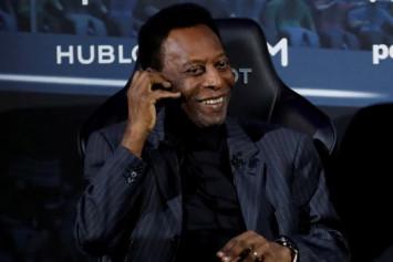 Pele dismisses talk of depression, tells fans he is well