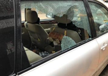 Hong Kong men smash car window to steal N95 masks