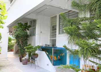 No tanks! HDB flat owner asked to remove glass fish tank installed on his doorstep