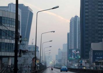Health concerns rise in smog-bound Bangkok