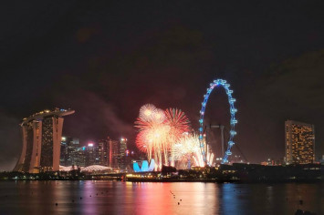 Singapore ushers in 2019 with spectacular fireworks show at Marina Bay