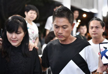 Farewell, Aloysius: Fans, friends queue to pay last respects at public memorial