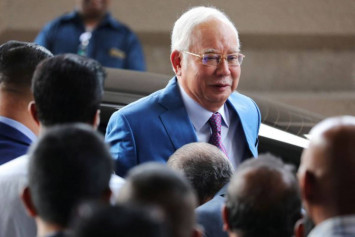 'Can I advise you on something', says Najib sarcastically over sex video