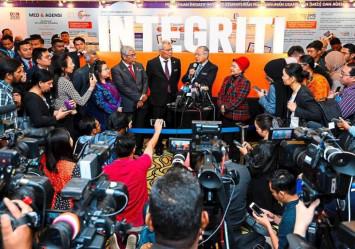 Mahathir: I'm ready to step down