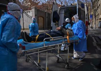 Hong Kong: More than 500 doctors, health workers join calls for border closure