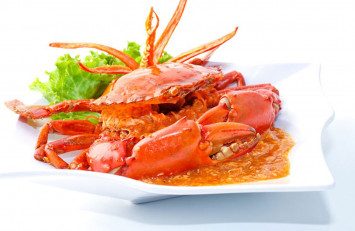Singapore chilli crab ranked 17th, Malaysia's 'curry laksa' 2nd on Lonely Planet's list of best food experiences