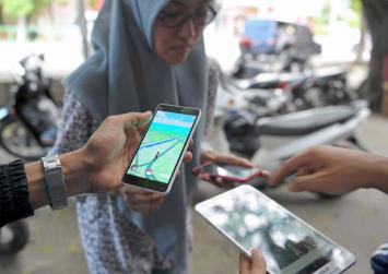 Indonesia bans police, troops from playing Pokemon Go