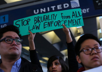 United Airlines reduces denied boardings after passenger dragging