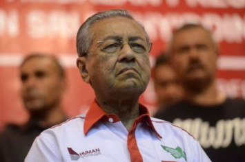 Mahathir gets caustic about people's rejection of new national car suggestion