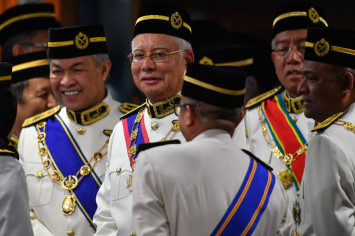 Najib denies signing off cheques to Umno using 1MDB monies