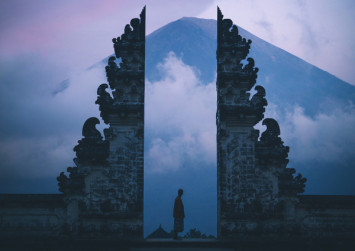 Tourist disappointed after Bali's 'gates of heaven' is less dramatic than expected