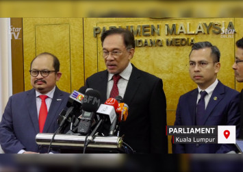Malaysia gay sex video: If true, Azmin must resign, says Anwar