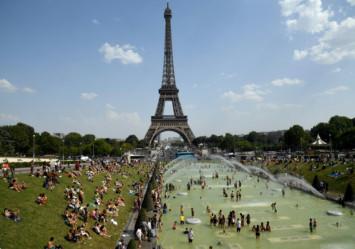 Record 42.6C in Paris as Europe heatwave hits blistering peak