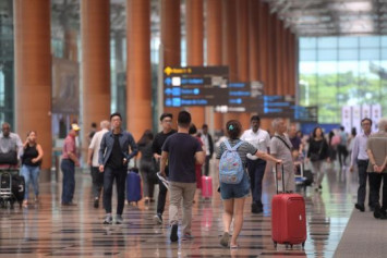 Singaporeans 6th most vacation-deprived globally, will take pay cut for holiday: Poll