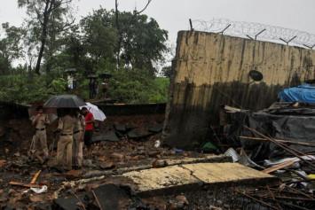 Heavy rains in India kill 30, cripple financial capital Mumbai