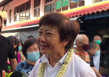 GE2020: Lee Bee Wah says too many opposing voices make it 'difficult to do things'; tears up after thanking supporters