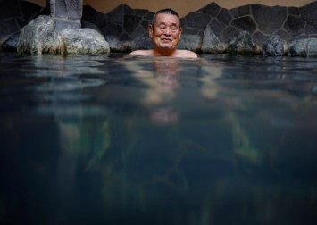 Coronavirus dampens Japanese man's plan to rescue bathhouse culture