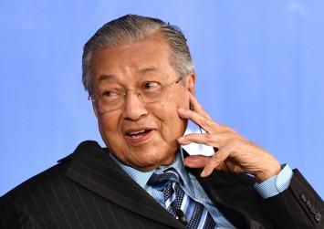 High-speed rail project postponed, not scrapped, Mahathir tells Japanese media